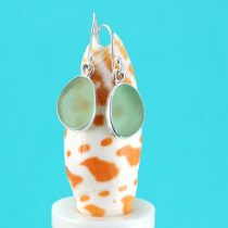 E532 W Ocean Green Sea Glass Earrings
